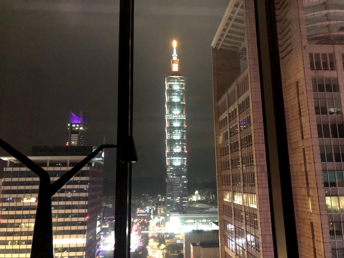 W台北からの台北101